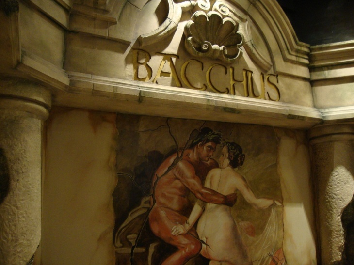 bacchus-bar-eat-drink-bars-pubs-large