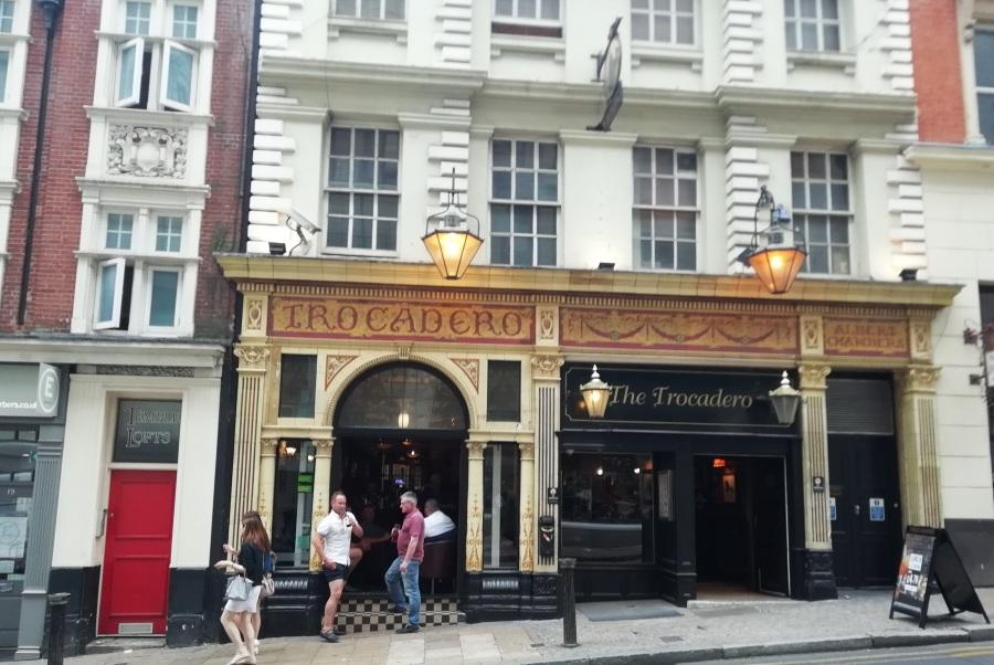 The Trocadero – A BirminghamInstitution