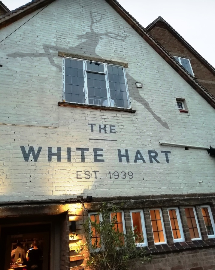 The (White) Hart OfDuffield