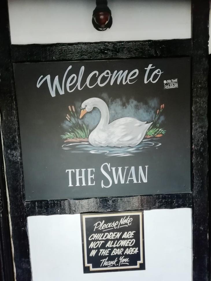 Swan Frad 08.04.19  (11).jpg