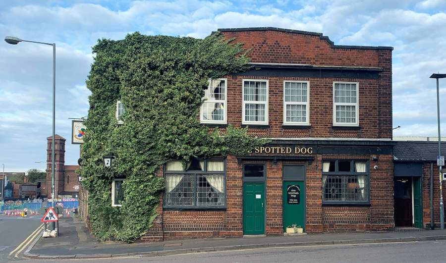 Villa 0-0 Wolves (half – time): Iconic Pubs: Digbeth Part3